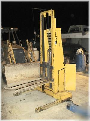 Lift Rite Big Joe 1500lbs Lt 132 Manual Pallet Stacker