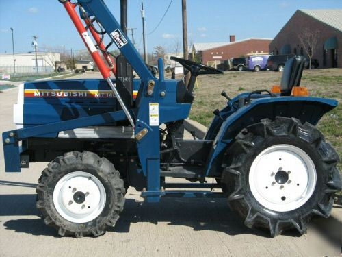 Mitsubishi 17HP 3CYL 4X4 tractor & loader low