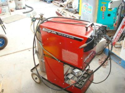 snap on ya219 wire feed 120 volt mig welder.