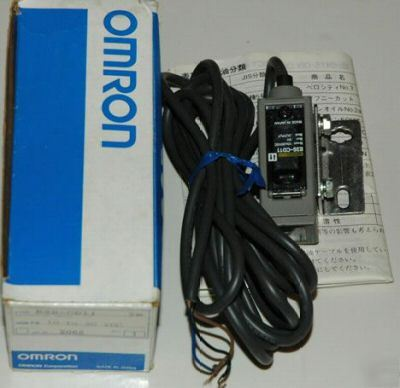 New **brand omron photoelectric switch E3S-CD11 (2M)