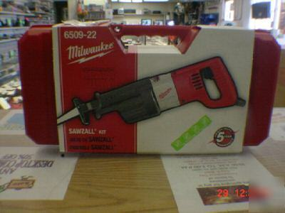 New milwaukee 6509 -22 sawzall kit